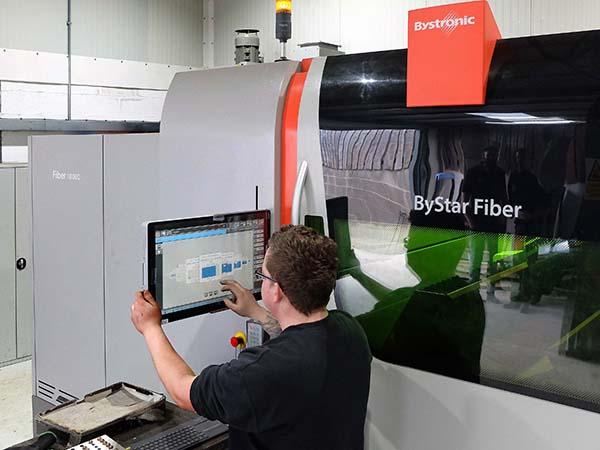 Fibre laser 10 times faster on 10 mm sheet
