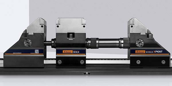 New centre jaw for five-axis vice