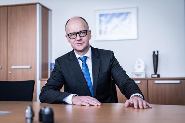Röhm expands its executive board
